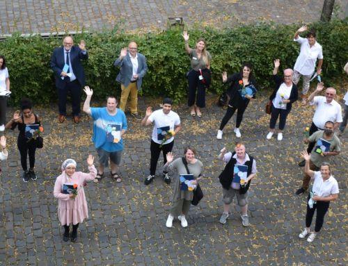 Hauptschulabschluss bestanden – VHS Hanau und KCA beglückwünschen zehn erfolgreiche Absolventen